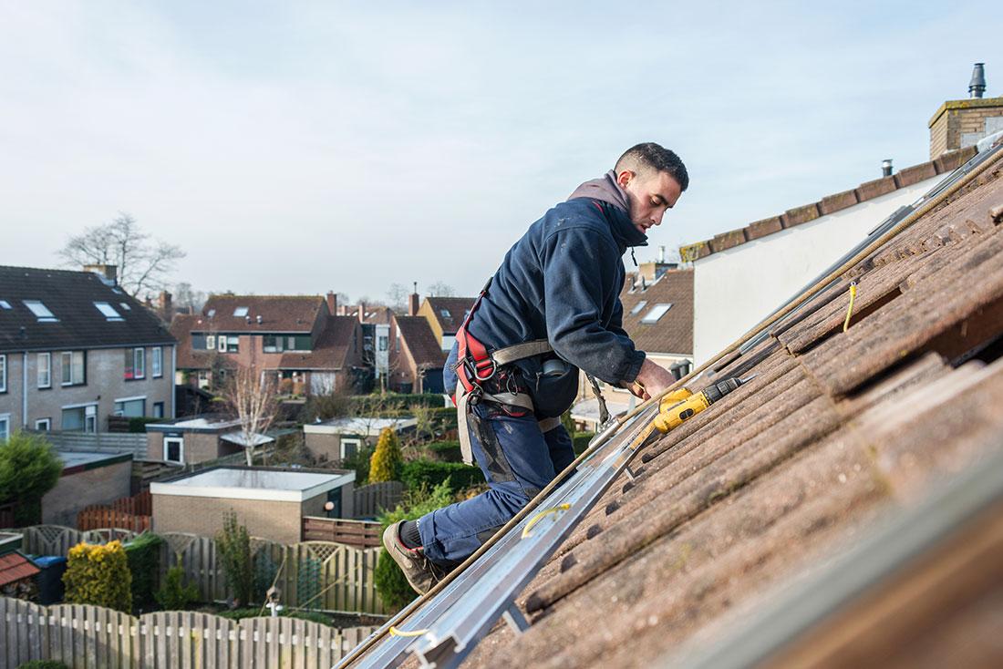 Leaking Roof Repair 5 common causes of roof leaks - all seasons roofing & waterproofing