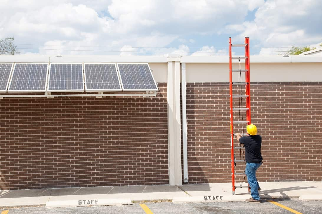 How Does Temperature Affect Solar Panel Performance